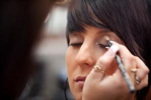 makeup-artist-applying-eyeshadow